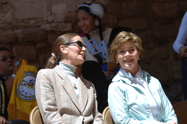 [Assignment: 48-DPA-N_Sc_Bush_CO] Visit of Acting Secretary P. Lynn Scarlett to [Mesa Verde National Park], Colorado, where she joined First Lady Laura Bush, National Park Service [Director Fran Mainella, Mesa Verde Superintendent Larry Wiese, and other dignitaries for speeches, tours marking the Park's 100th anniversary] [48-DPA-N_Sc_Bush_CO_DOI_5846.JPG]