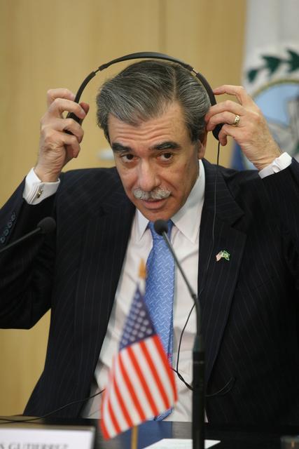 [Assignment: OS_2006_1201_185] Office of the Secretary (Carlos Gutierrez) - US/Brazil Business Dialogue Rio De Janiero [40_CFD_OS_2006_1201_185_IMG_4435.JPG]