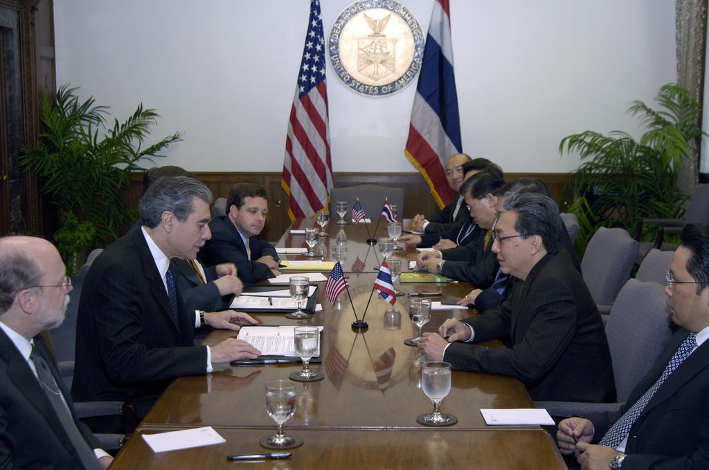 [Assignment: OS_2006_1201_209] Office of the Secretary (Carlos Gutierrez) - Thai Deputy Prime Minister of Commerce Somkid Jatursrintak [40_CFD_OS_2006_1201_209__DSC9117.JPG]