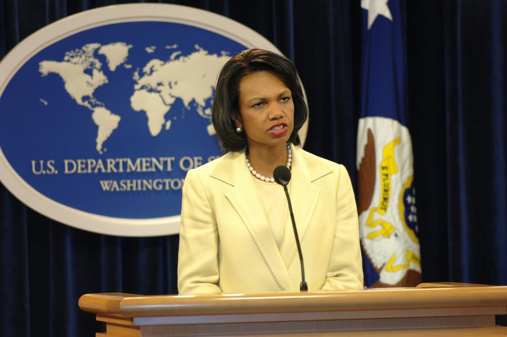 [Assignment: OS_2006_1201_211] Office of the Secretary (Carlos Gutierrez) - Press Conference Cuba (Secretary Gutierrez and Condoleezza Rice) [40_CFD_OS_2006_1201_211_DSC_6104.JPG]