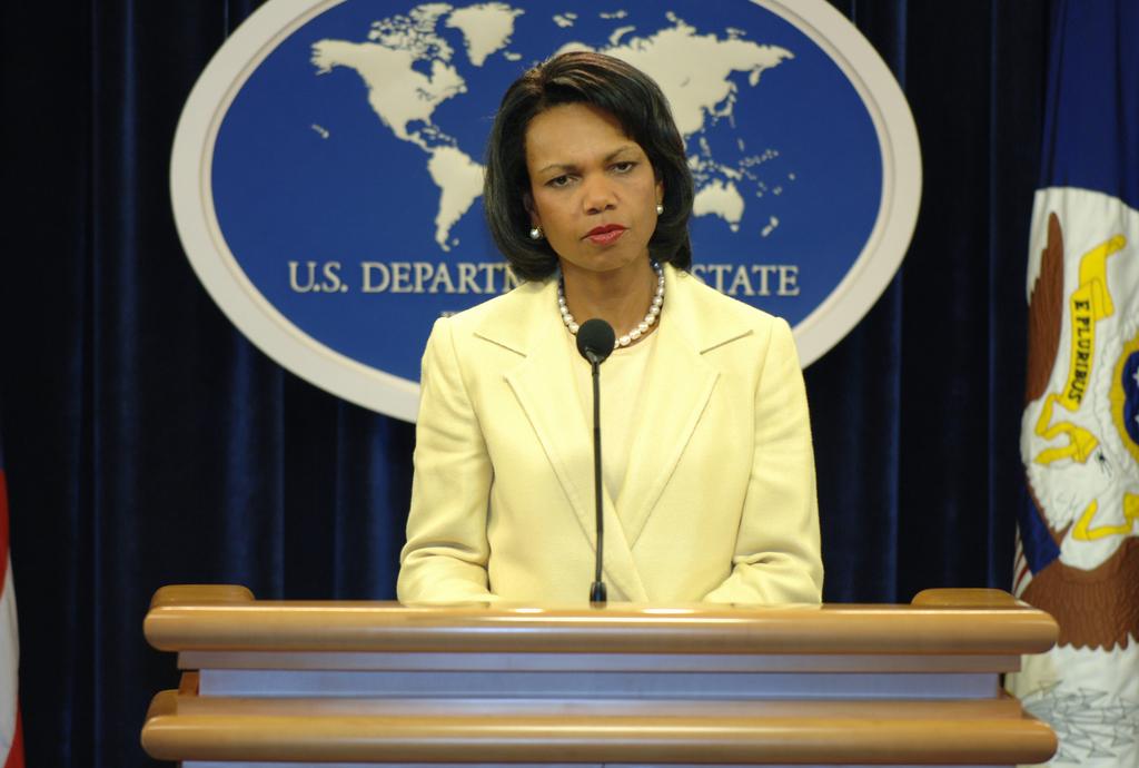 [Assignment: OS_2006_1201_211] Office of the Secretary (Carlos Gutierrez) - Press Conference Cuba (Secretary Gutierrez and Condoleezza Rice) [40_CFD_OS_2006_1201_211_DSC_6098.JPG]