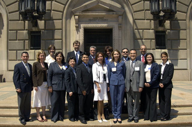 [Assignment: ITA_2006_4874_80] International Trade Administration - Group Photo Central America Training [40_CFD_ITA_2006_4874_80__DSC9189.JPG]