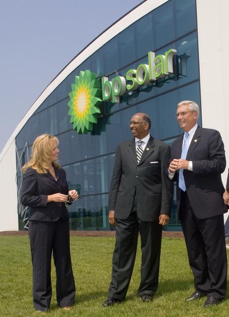 Office of the Administrator (Stephen L. Johnson) - BP Solar [412-APD-220-JPEG-07-21-06_BP_Solar_030.jpg]