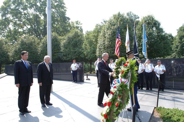 [Assignment: 48-DPA-SOI_K_Korean_7-27-06] 2006 Korean War Veterans Armistice Day Ceremony [at the Korean War Veterans Memorial, Washington, D.C.], with Secretary Dirk Kempthorne [joining Vice President Dick Cheney and South Koreaa's Ambassador to the U.S., Lee Tae-Sik, among the dignitaries participating] [48-DPA-SOI_K_Korean_7-27-06_IOD_2621.JPG]