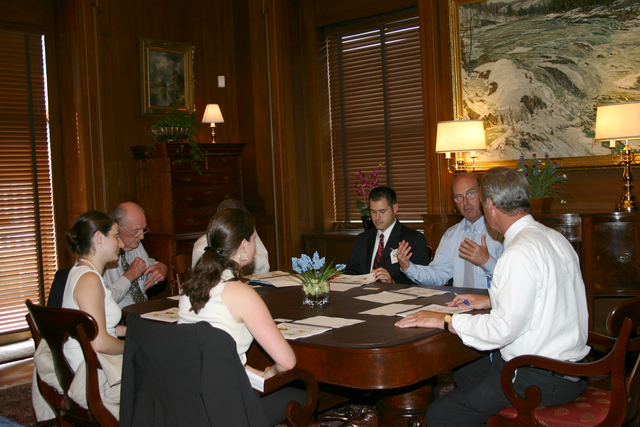 [Assignment: 48-DPA-8-3-06_SOI_K_ACORE] Secretary Dirk Kempthorne [and aides meeting at Main Interior with delegation from] the American Council on Renewable Energy [48-DPA-8-3-06_SOI_K_ACORE_IMG_7155.JPG]