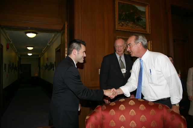 [Assignment: 48-DPA-8-3-06_SOI_K_ACORE] Secretary Dirk Kempthorne [and aides meeting at Main Interior with delegation from] the American Council on Renewable Energy [48-DPA-8-3-06_SOI_K_ACORE_IMG_7141.JPG]