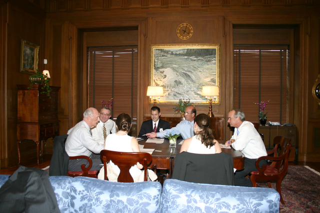 [Assignment: 48-DPA-8-3-06_SOI_K_ACORE] Secretary Dirk Kempthorne [and aides meeting at Main Interior with delegation from] the American Council on Renewable Energy [48-DPA-8-3-06_SOI_K_ACORE_IMG_7148.JPG]