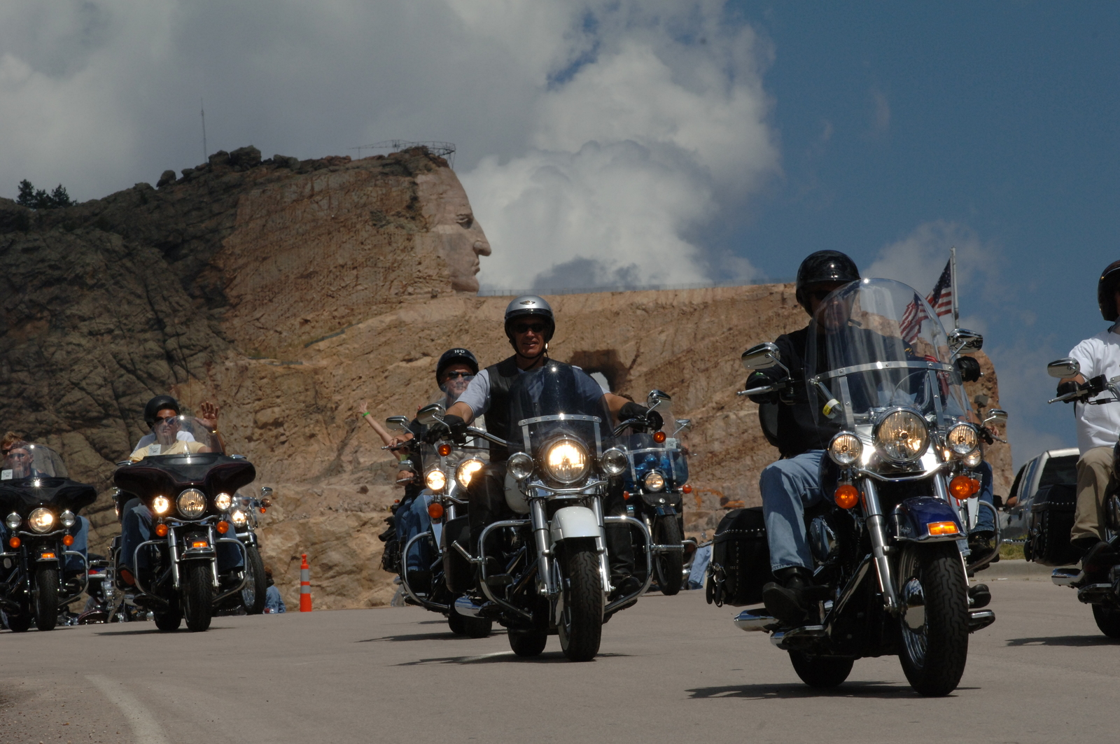 [Assignment: 48-DPA-SOI_K_Sturgis_8-7-06_Rally] Visit of Secretary Dirk Kempthorne to Sturgis, South Dakota, [to participate in the 66th Annual] Sturgis Motorcycle Rally, [and to view the area's landscapes and wildlife] [48-DPA-SOI_K_Sturgis_8-7-06_Rally_IOD_2979.JPG]