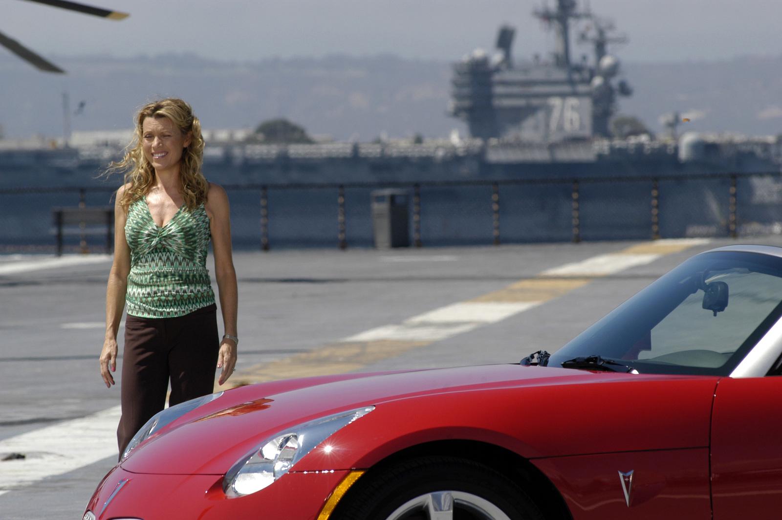Photo of Vanna White  - car