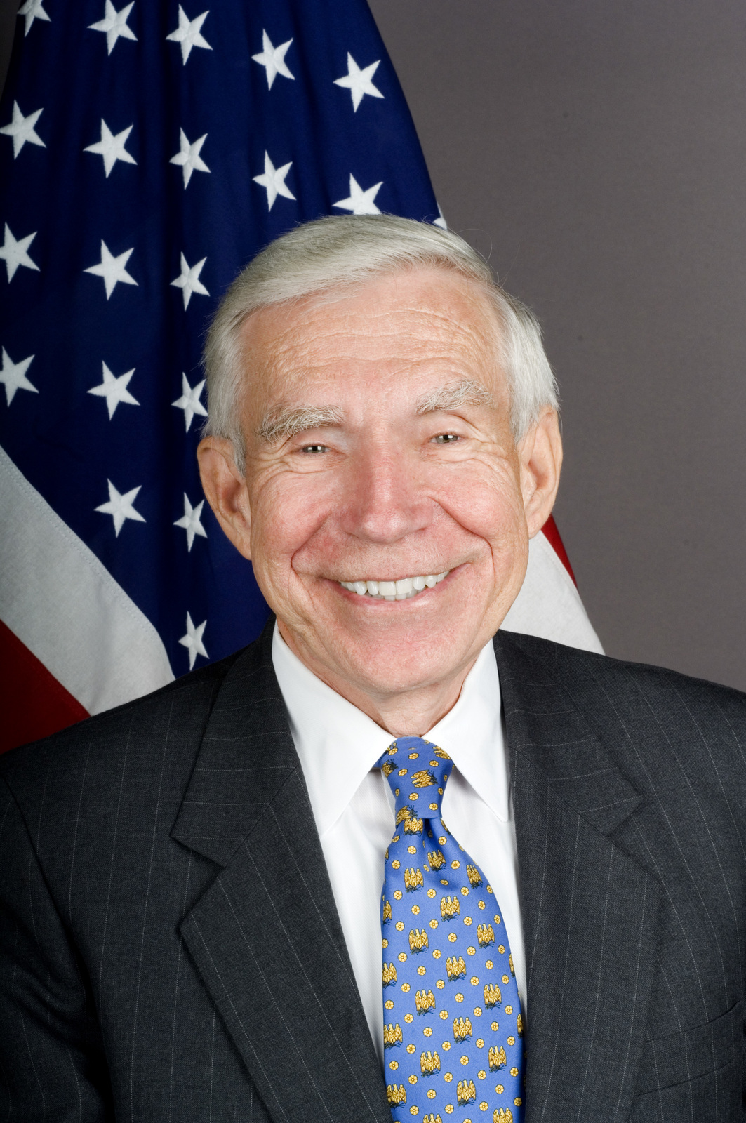 [Assignment: 59-CF-DS-31095-06] Official portrait of Frank Baxter, U.S. Ambassador-designate to Uruguay [Photographer: Ann Thomas--State] [59-CF-DS-31095-06_Frank_Baxter.jpg]