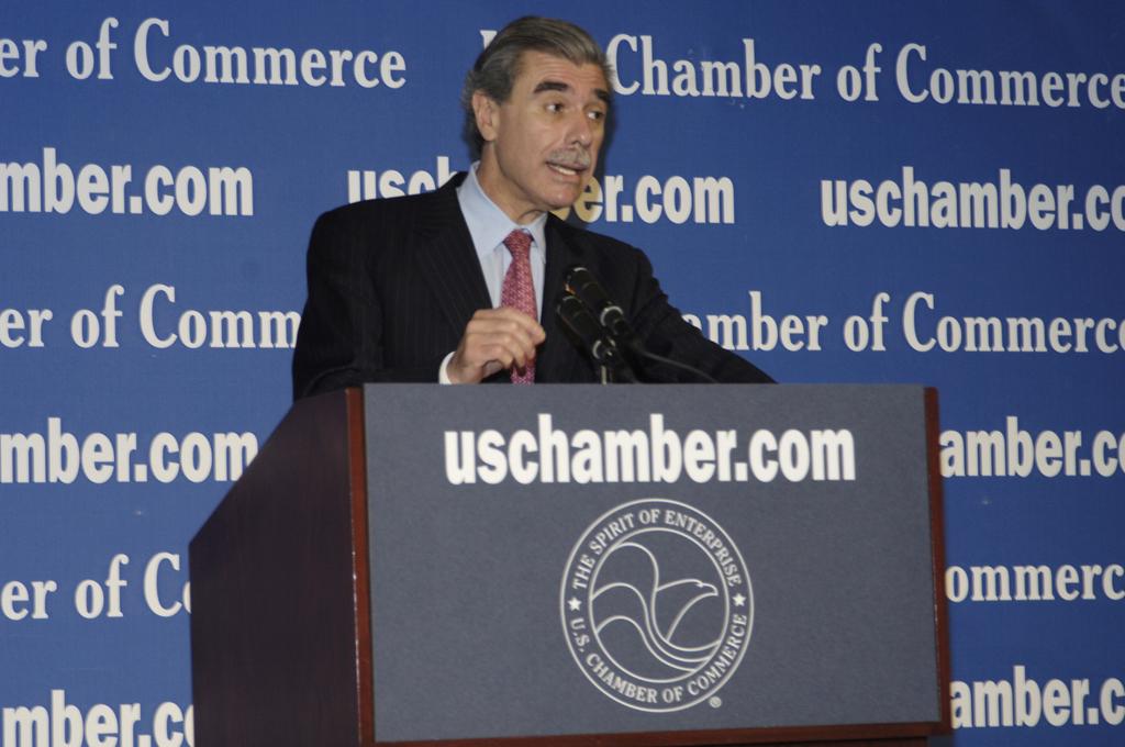 [Assignment: OS_2006_1201_264] Office of the Secretary (Carlos Gutierrez) - Secretary Gutierrez Speaks to Anti-Counterfeiting and Piracy Summit [40_CFD_OS_2006_1201_264__DSC0033.JPG]