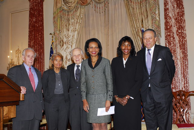 [Assignment: 59-CF-DS-32106-06] Event hosted by Secretary Condoleezza Rice in the Benjamin Franklin Room, marking the launch of the Ralph Bunche Societies Initiative... [Photographer: Ann Thomas--State] [59-CF-DS-32106-06_DSC0040.JPG]
