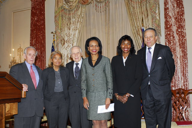 [Assignment: 59-CF-DS-32106-06] Event hosted by Secretary Condoleezza Rice in the Benjamin Franklin Room, marking the launch of the Ralph Bunche Societies Initiative... [Photographer: Ann Thomas--State] [59-CF-DS-32106-06_DSC0038.JPG]