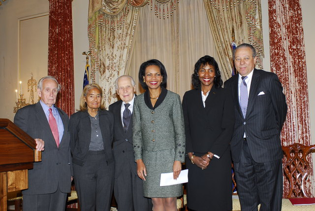 [Assignment: 59-CF-DS-32106-06] Event hosted by Secretary Condoleezza Rice in the Benjamin Franklin Room, marking the launch of the Ralph Bunche Societies Initiative... [Photographer: Ann Thomas--State] [59-CF-DS-32106-06_DSC0039.JPG]