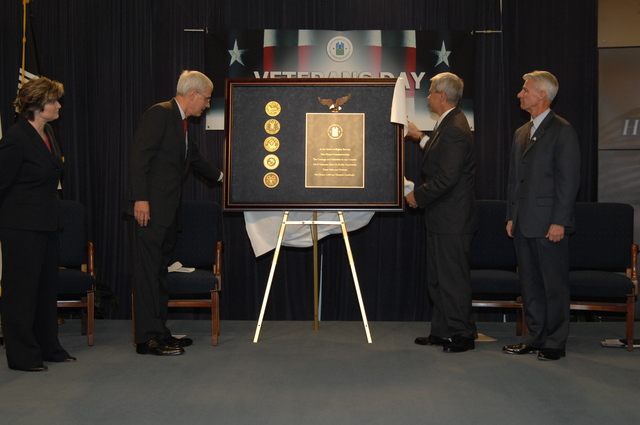 Veterans Day Ceremonies - Veterans Day, 2006 ceremonies at HUD Headquarters, [including unveiling of plaque commemorating service of military veterans from HUD staff]
