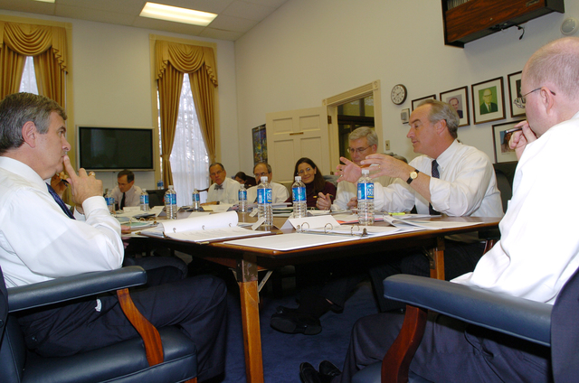 [Assignment: 48-DPA-SOI_K_Coop_Con_12-1-06] Secretary Dirk Kempthorne [participating in] Cooperative Conservation-related [White House meeting led by the Chairman of the White House Council on Environmental Quality, James Connaughton] [48-DPA-SOI_K_Coop_Con_12-1-06_Edit17DSC_0035.JPG]