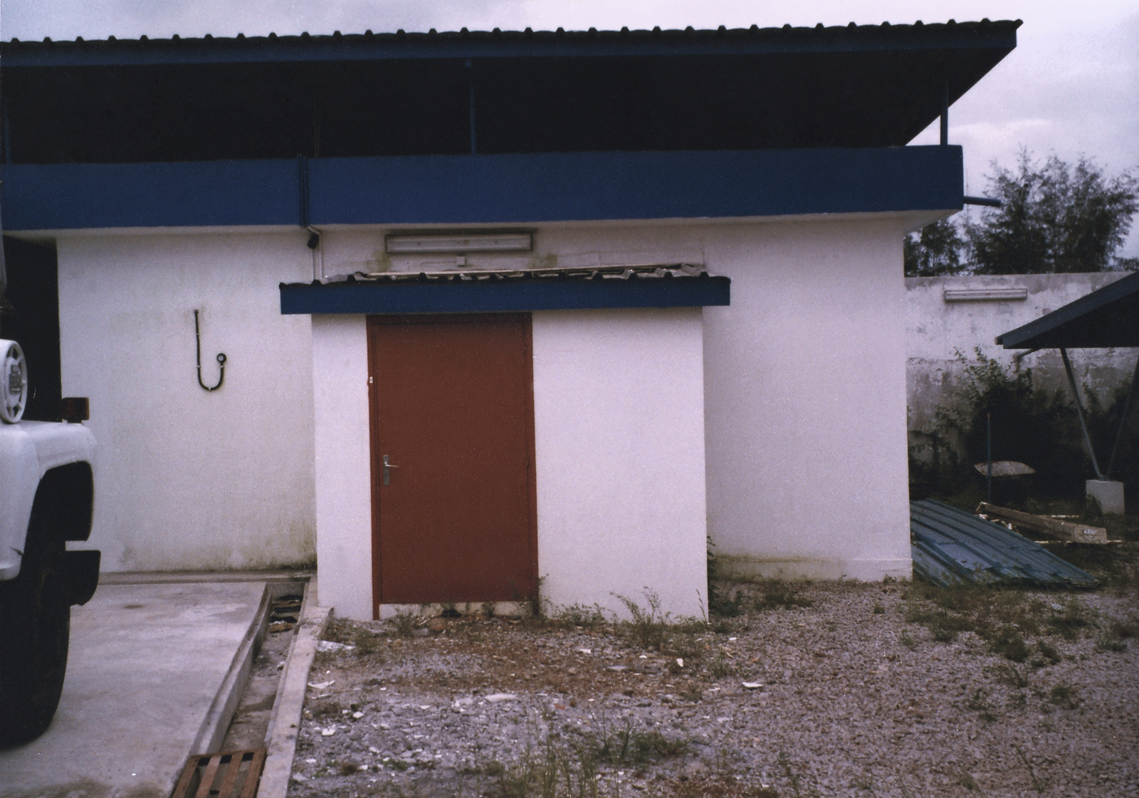 Abidjan - Compound Site - 1988