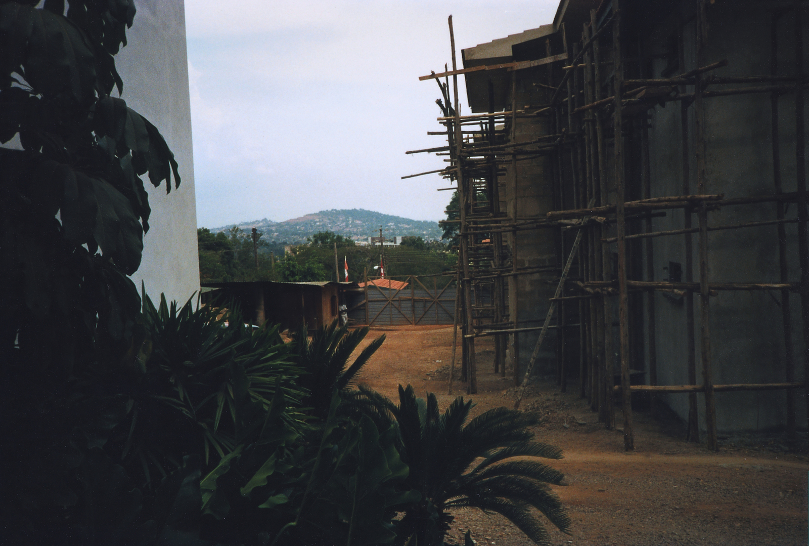 Abidjan - Compound Site - 1997