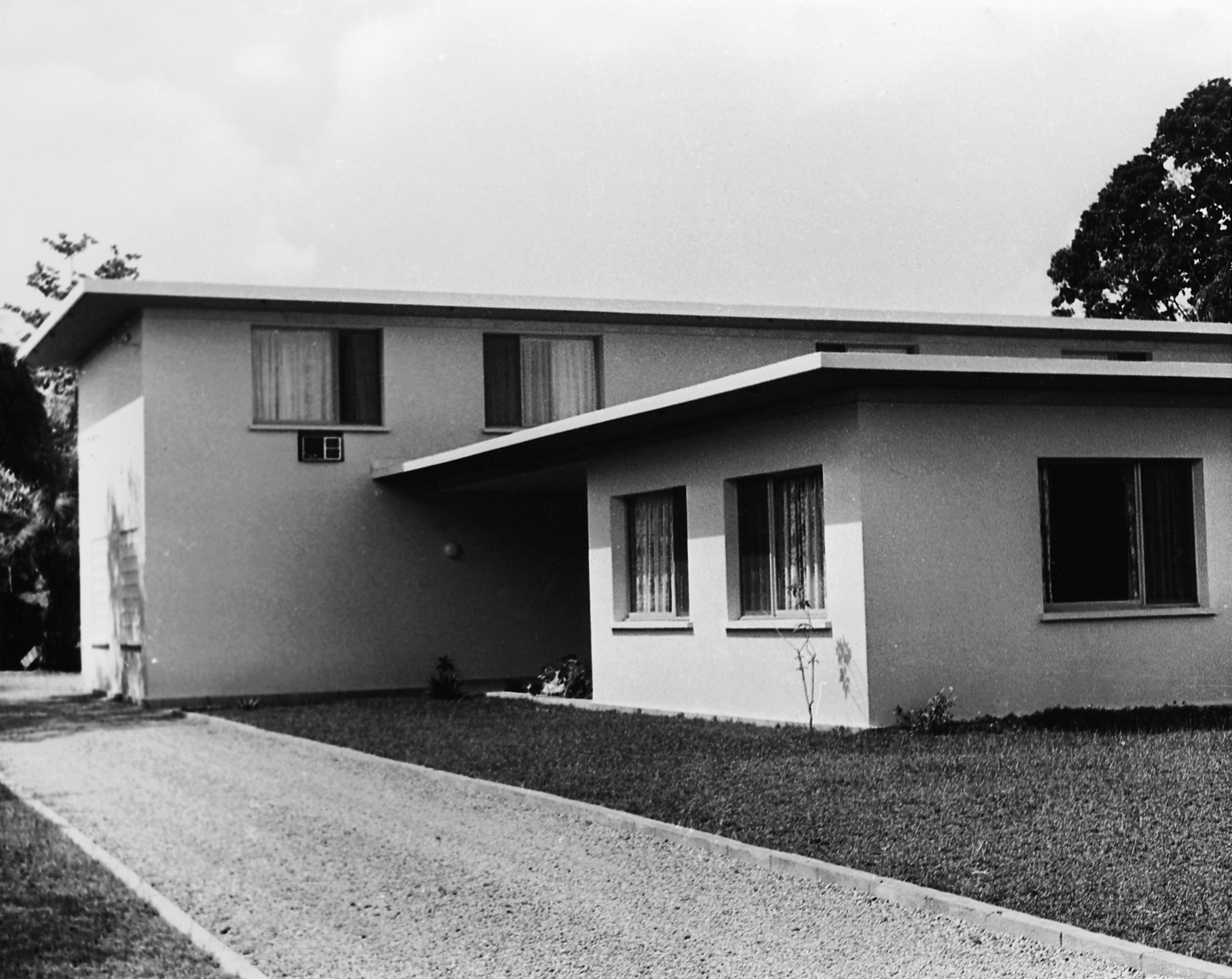 Abidjan - Mid-Level Position Residence - 1962