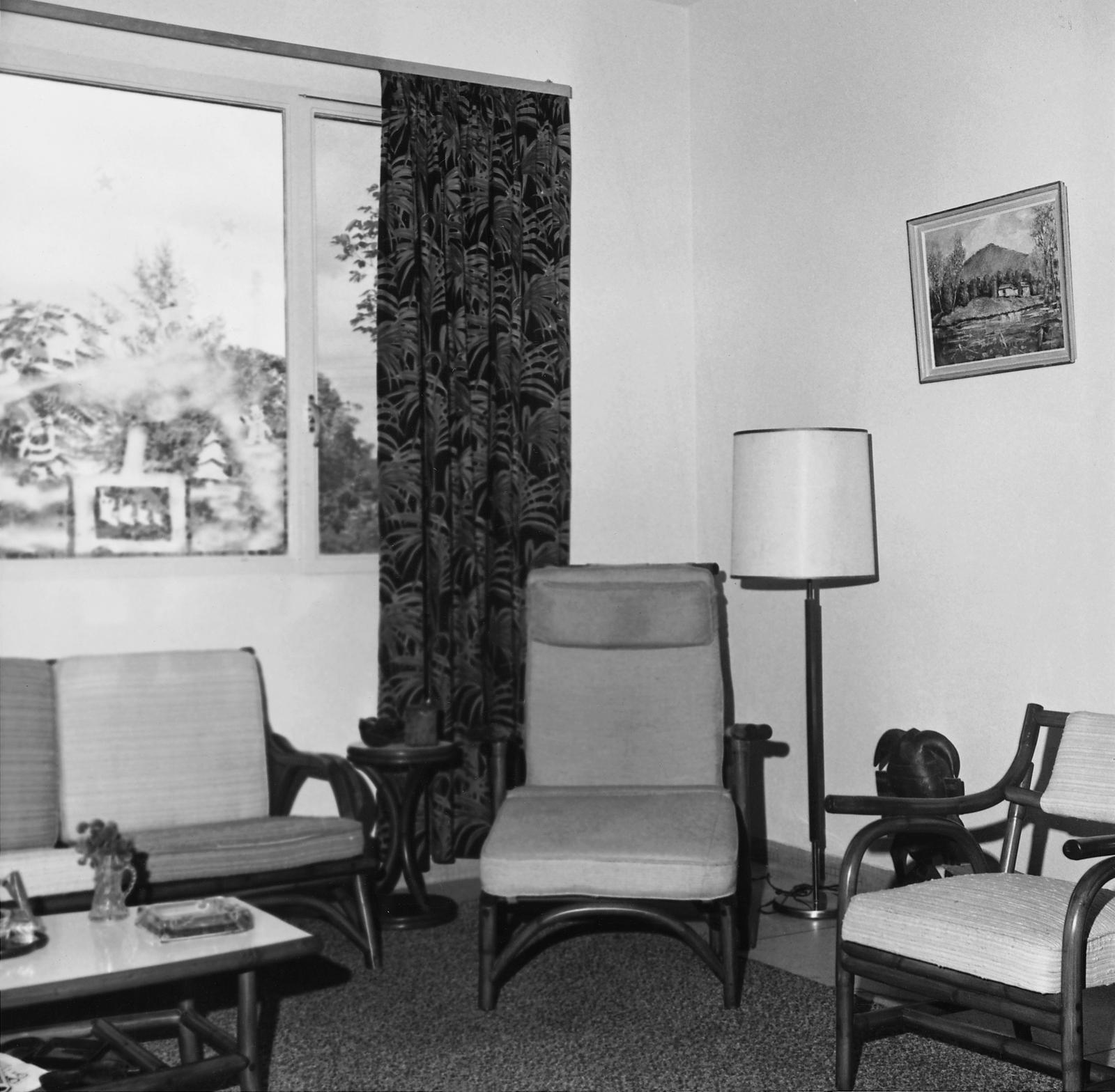 Abidjan - Mid-Level Position Residence - 1965