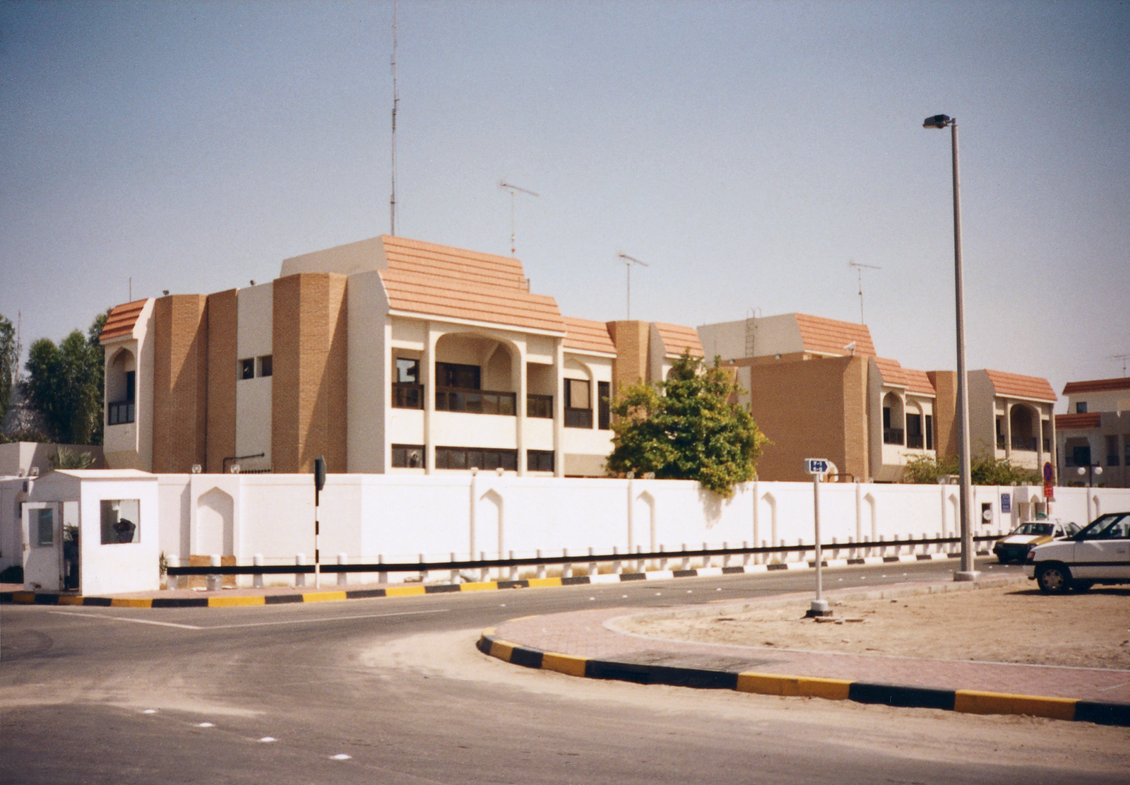 Abu Dhabi - Chancery Office Building
