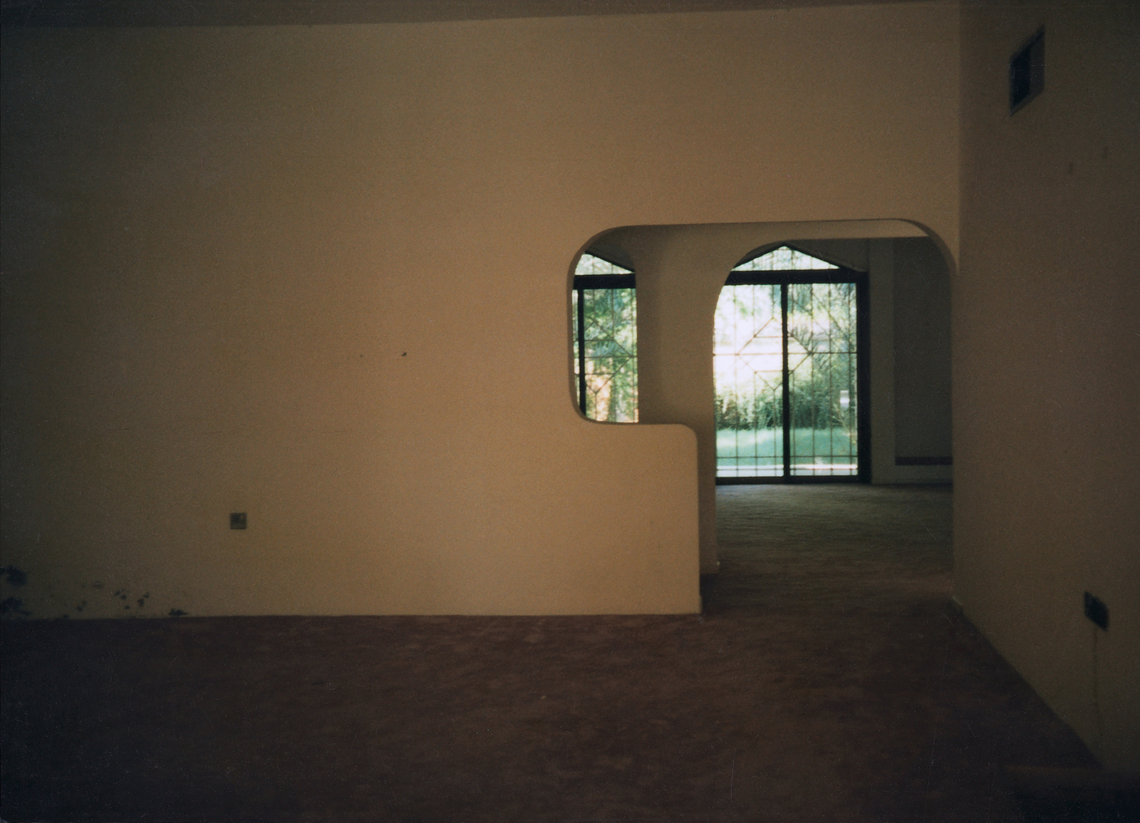 Abu Dhabi - Standard Level Position Residence - 1996