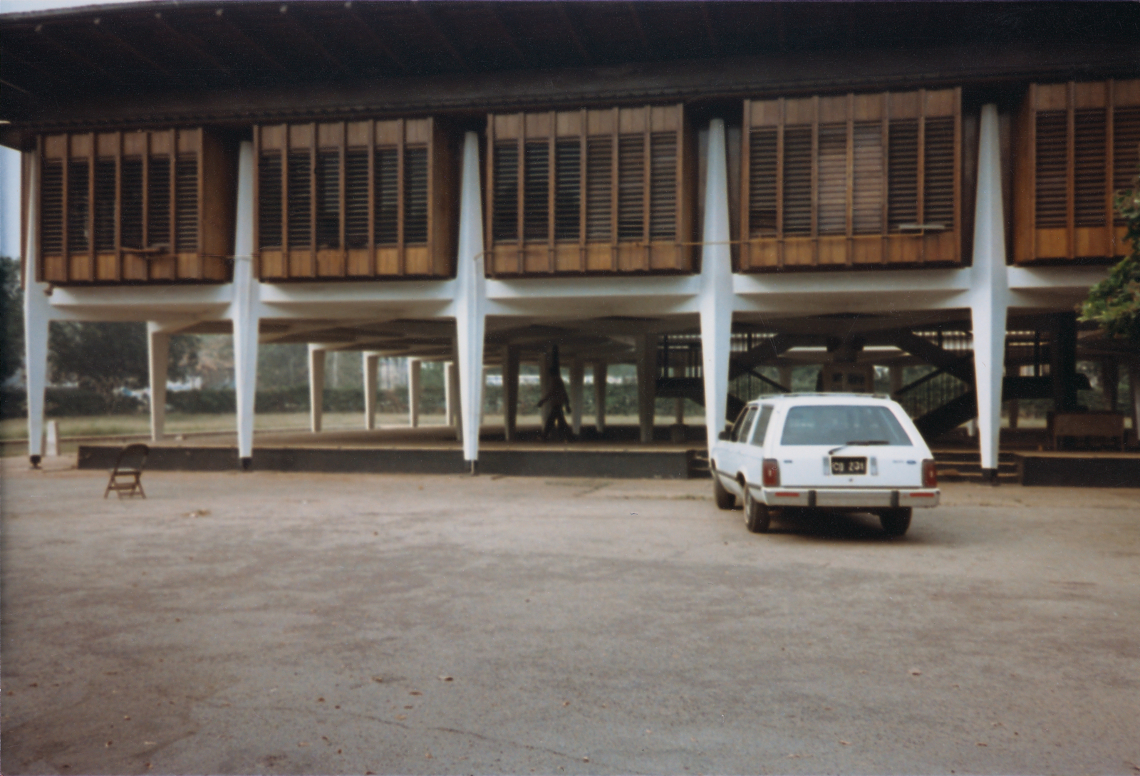 Accra - Chancery Office Building - 1988