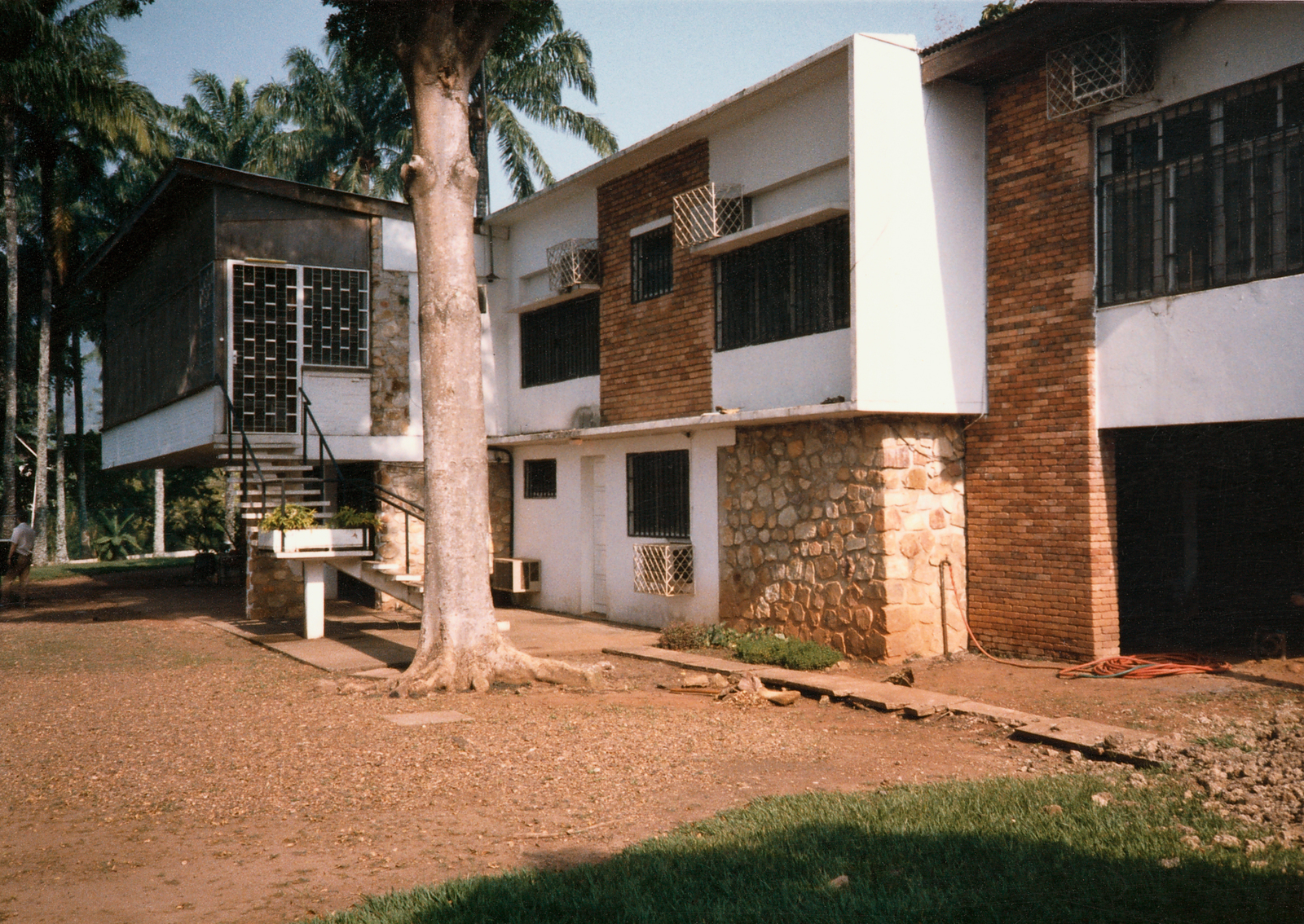 Bangui - Standard Level Position Residence - 1986