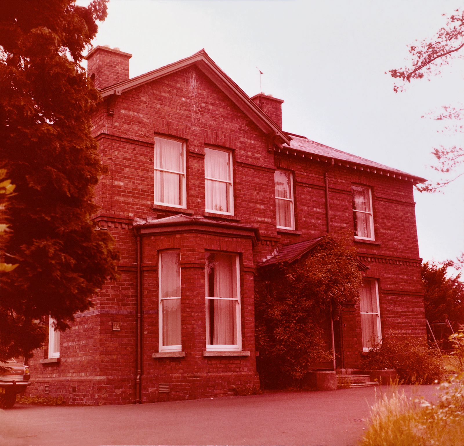 Belfast - Mid-Level Position Residence - 1979