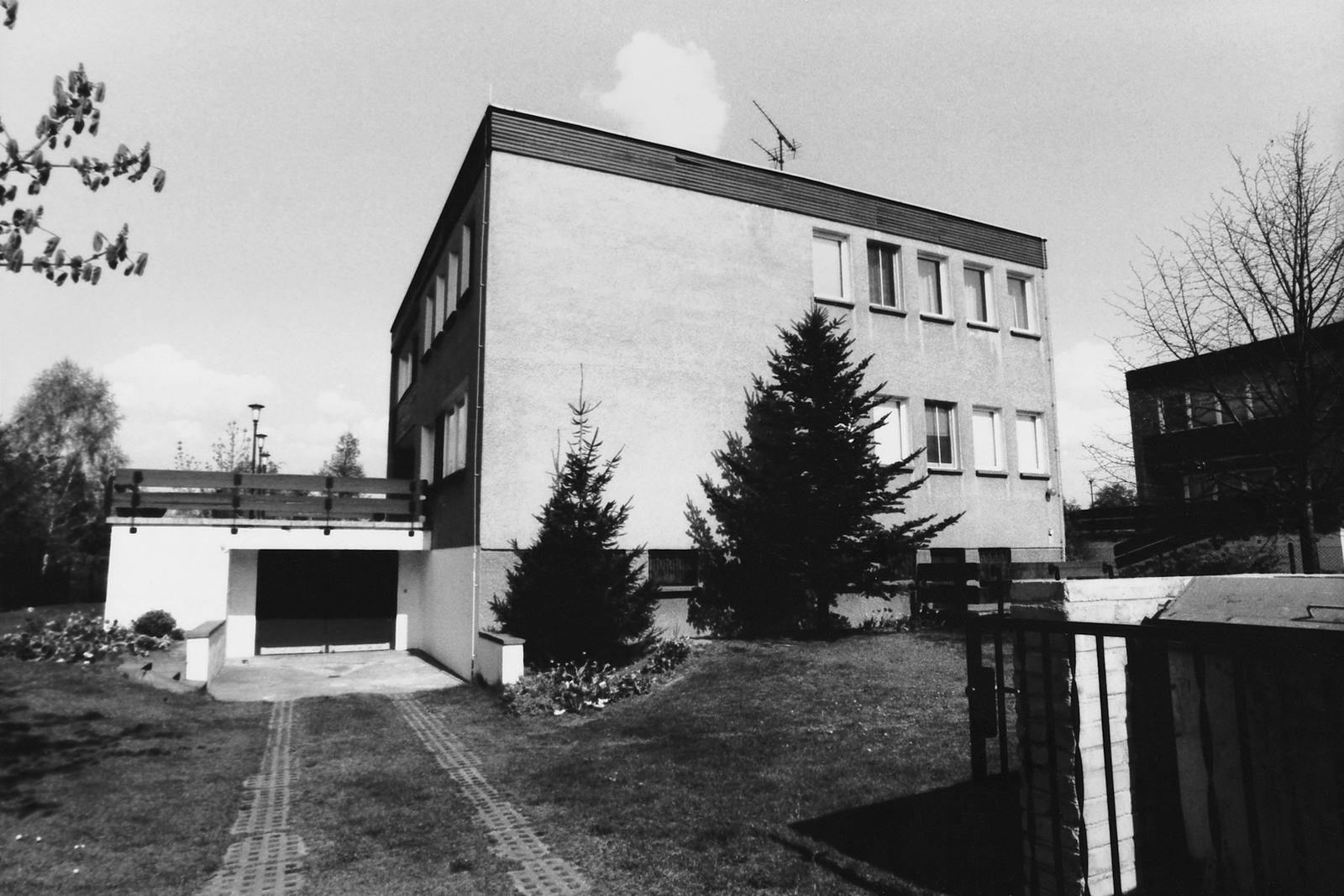 Berlin - Executive Level Position Residence - 1990