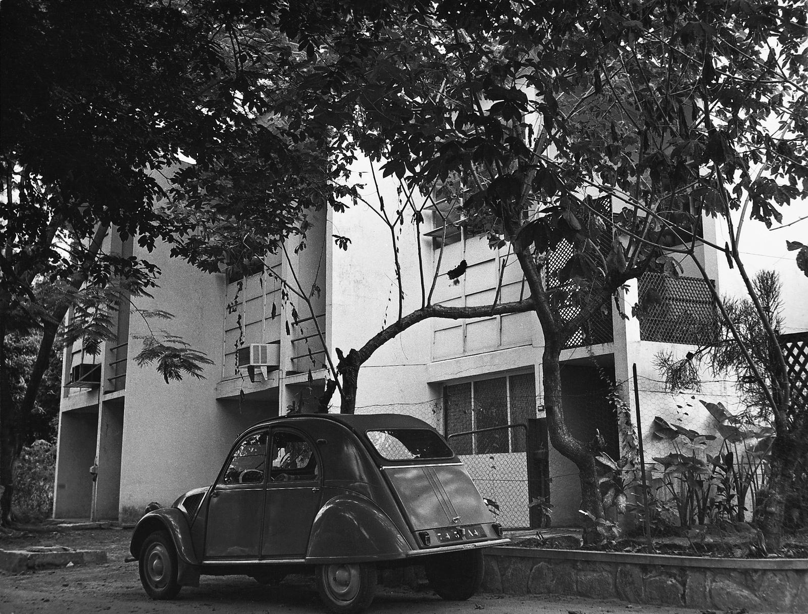 Brazzaville - Multi-Unit Residential Building - 1961