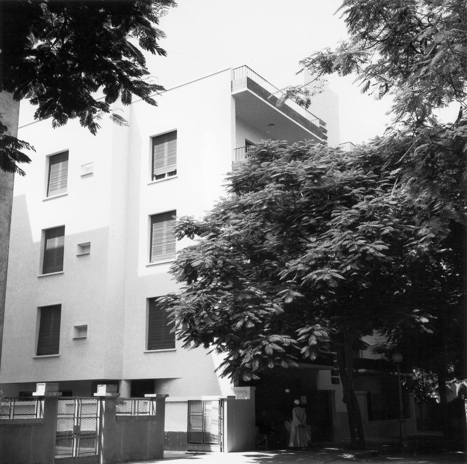 Cairo - Multi-Unit Residential Building - 1966