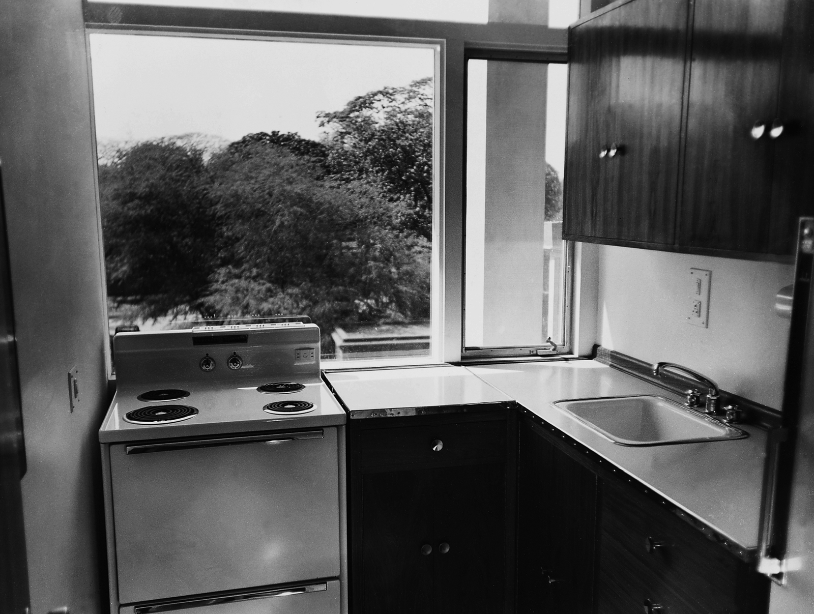 Calcutta - Multi-Unit Residential Building - 1961