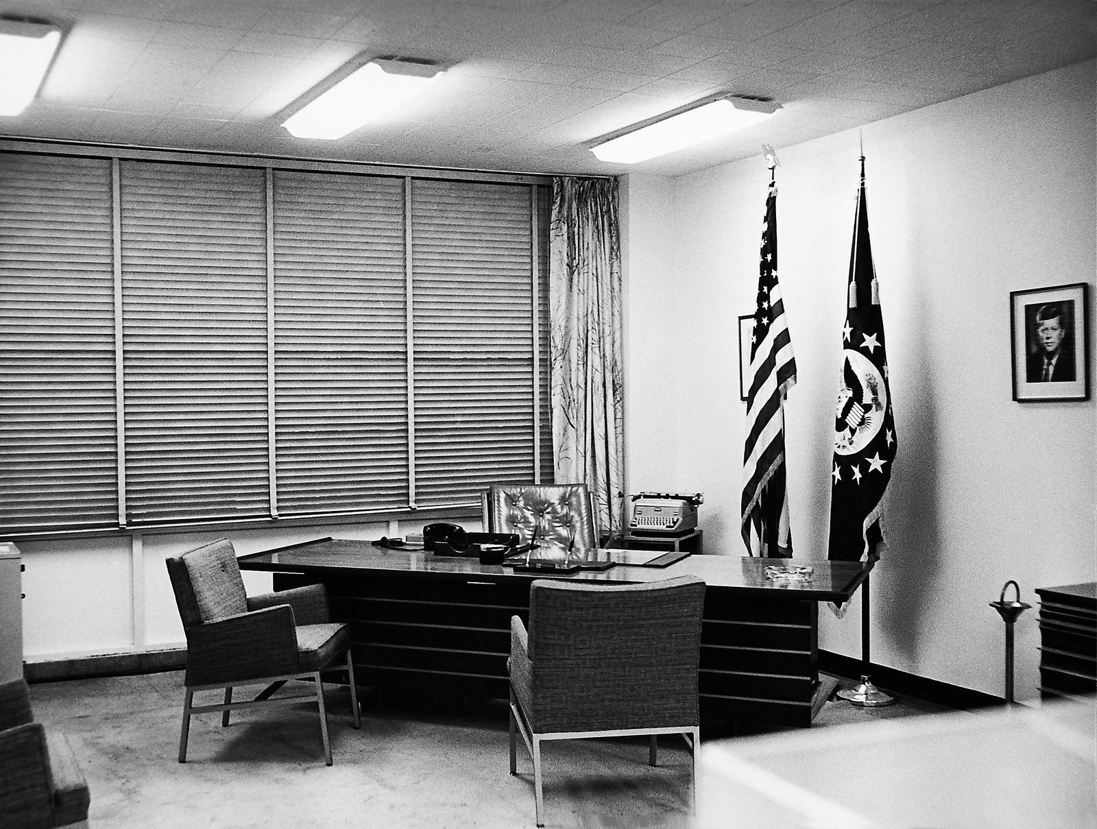 Caracas - Chancery Office Building - 1964