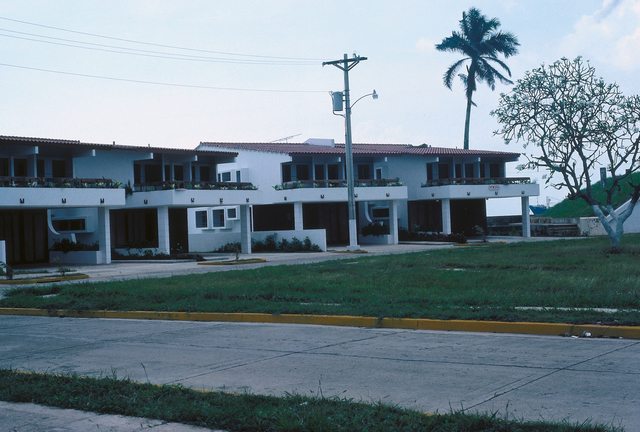 Colon - Chancery Office Building - 1981