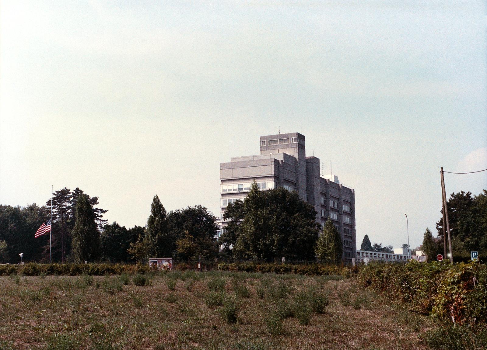 Geneva - Chancery Office Building - 1989