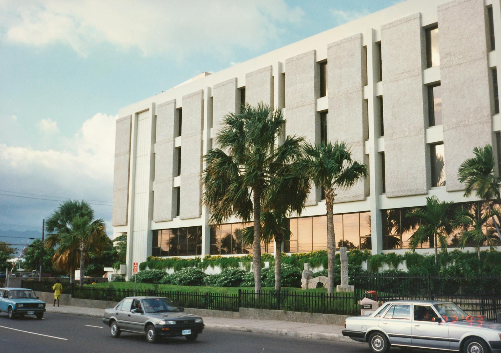 Kingston - Mid-Level Position Residence - 1993