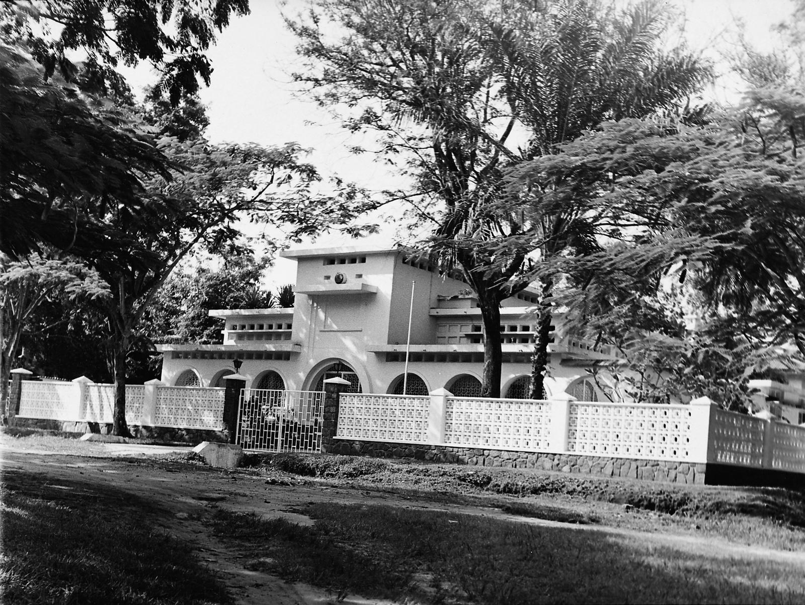 Kinshasa - Mid-Level Position Residence - 1971