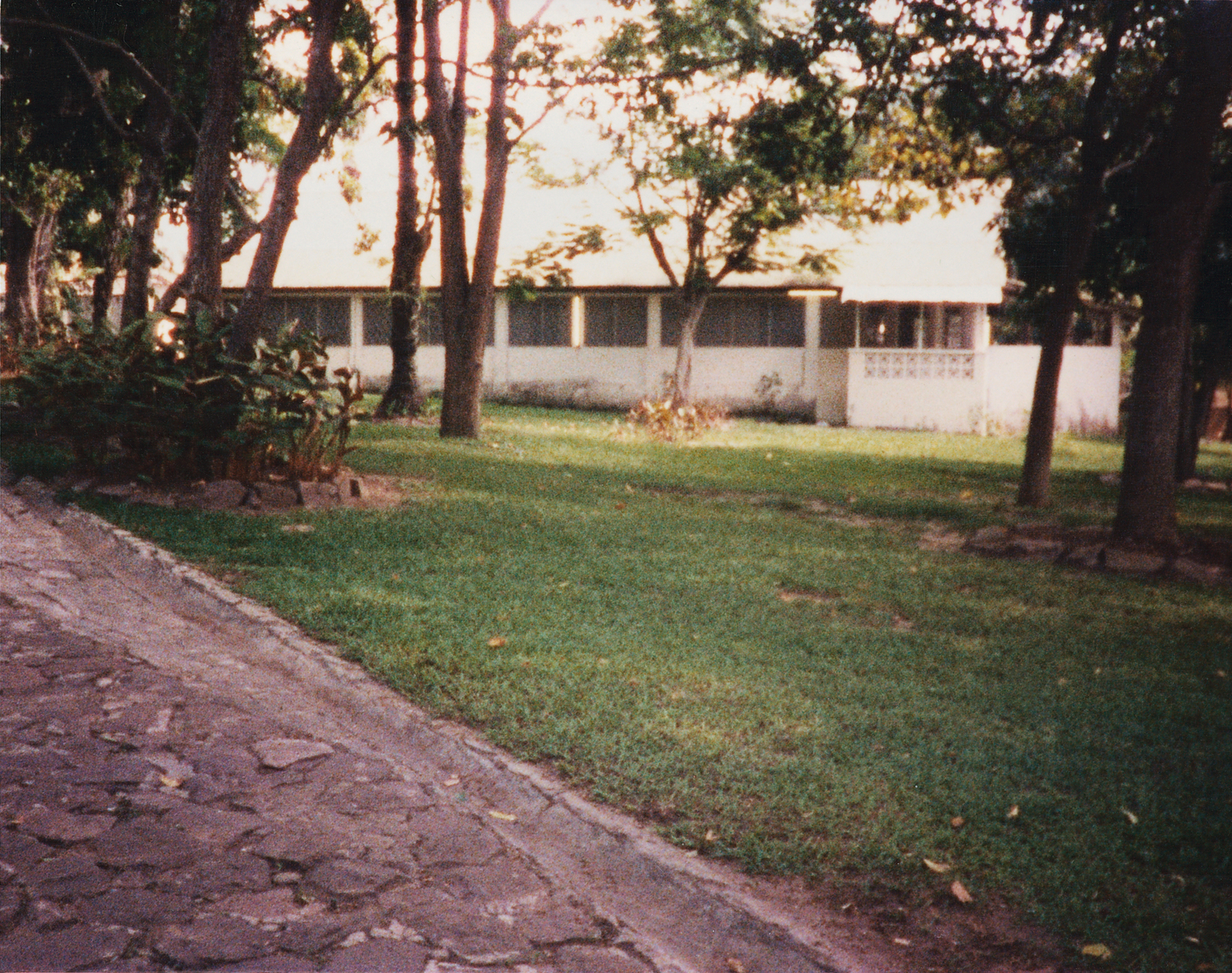 Kinshasa - Mid-Level Position Residence - 1986