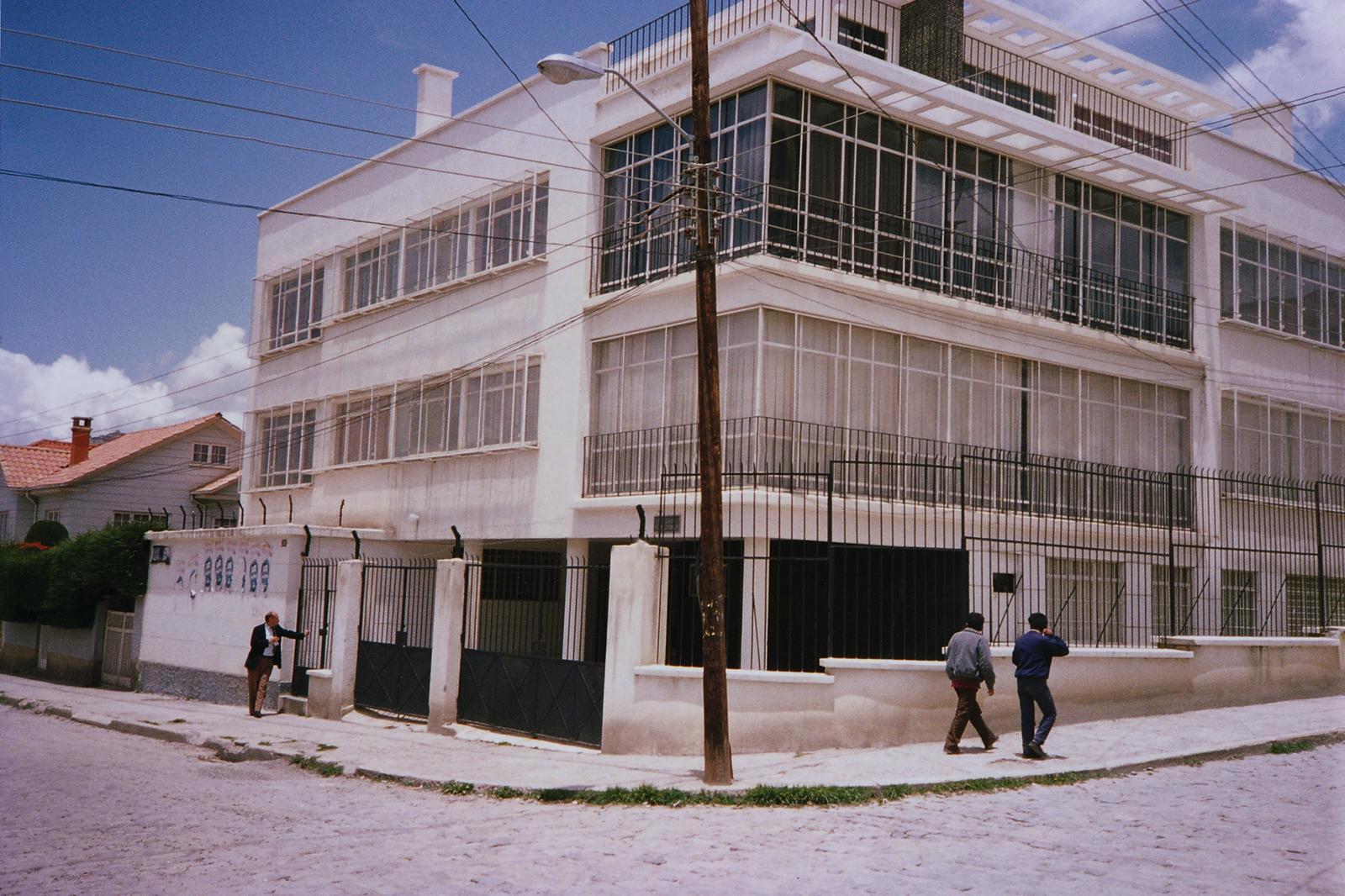 La Paz - Multi-Unit Residential Building - 1992