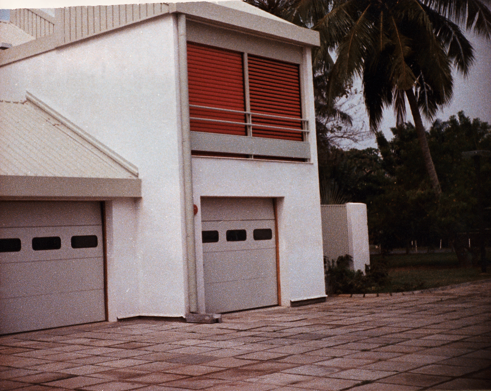 Lagos - Multi-Unit Residential Building - 1985