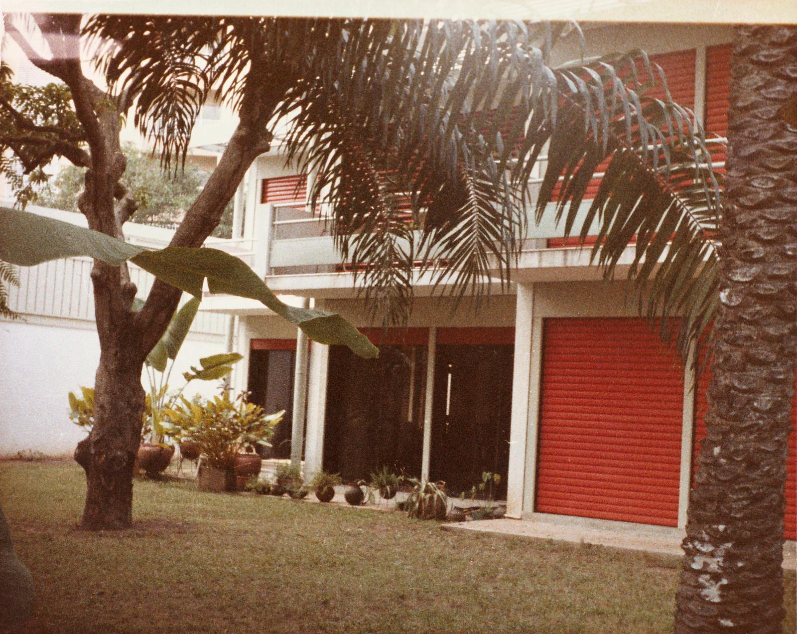 Lagos - Multi-Unit Residential Building - 1991