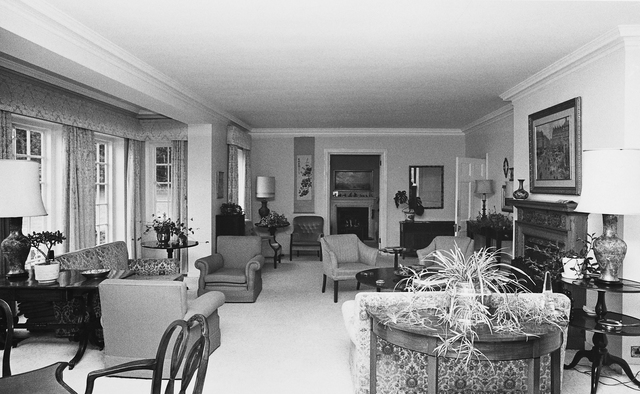 London - Executive Level Position Residence - 1947