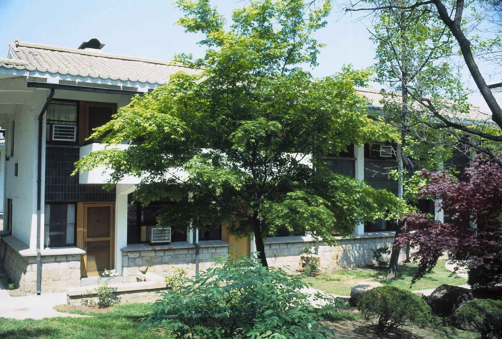 Seoul - Multi-Unit Residential Building - 1979