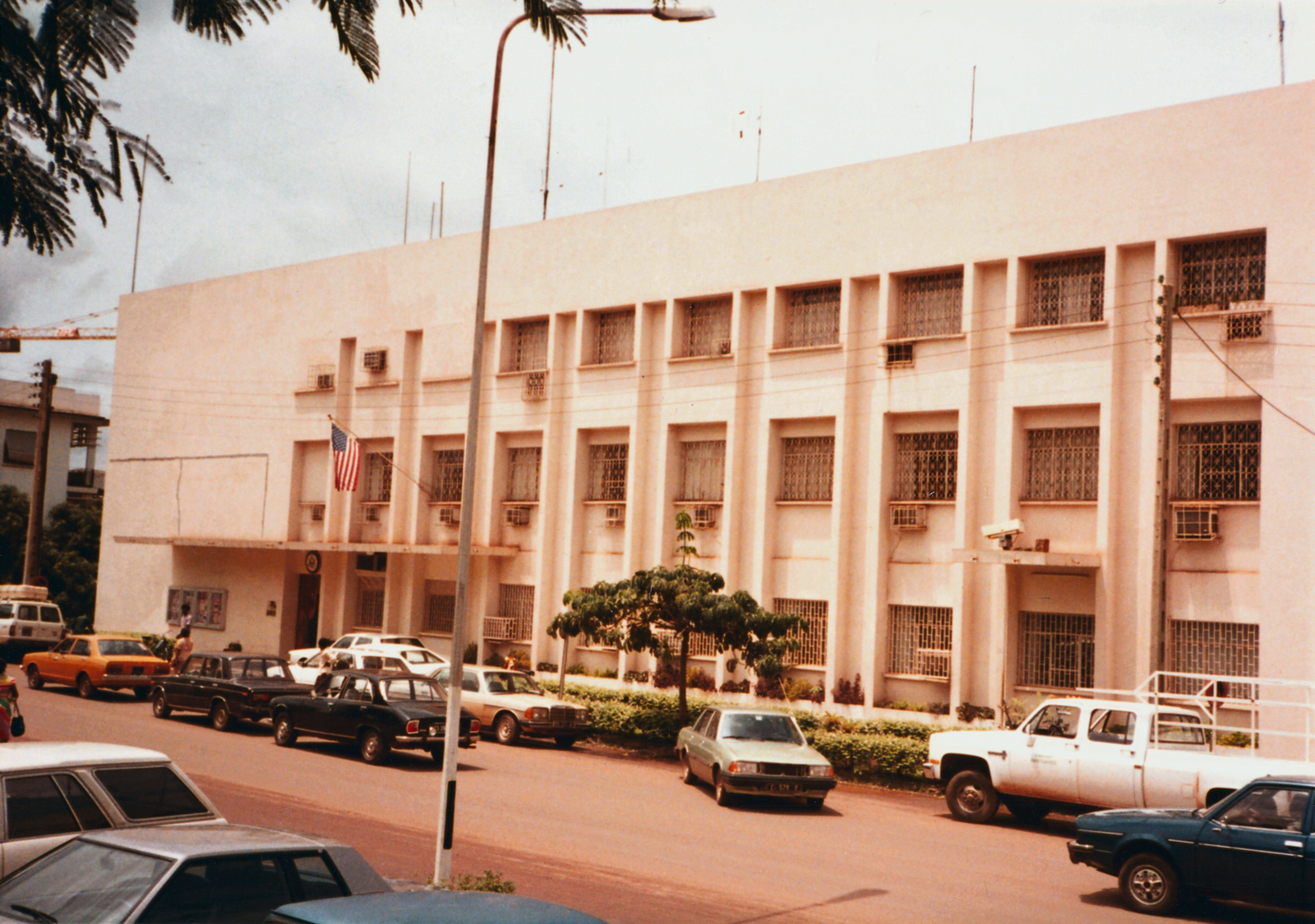 Yaounde - Chancery Office Building - 1990