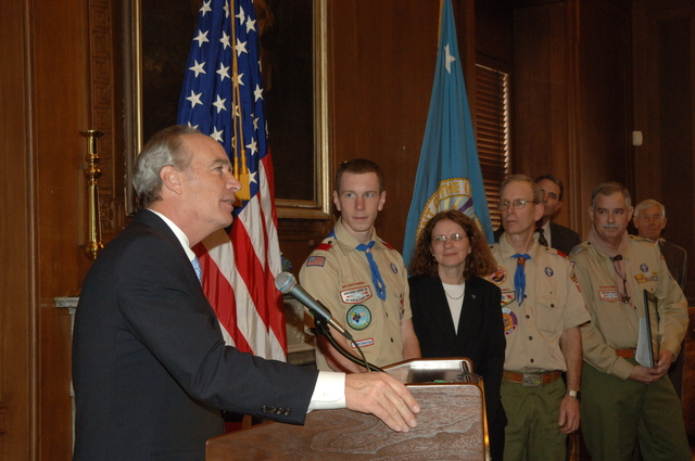 [Assignment: 48-DPA-SOI_K_Scout_1-24-07] Visit of Boy Scouts of America [delegation to Main Interior for meeting] with Secretary Dirk Kempthorne, [and receipt from the Secretary of] National Resource Conservation Awards [48-DPA-SOI_K_Scout_1-24-07_IOD_2368.JPG]