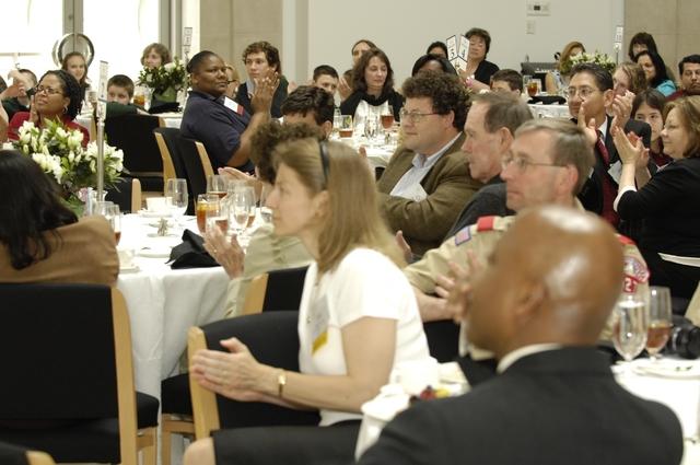 Office of the Administrator (Stephen L. Johnson) - Presidents Environmental Youth Award (PEYA) Lunch [412-APD-276-04-19-07-PEYA-Lunch_137.jpg]