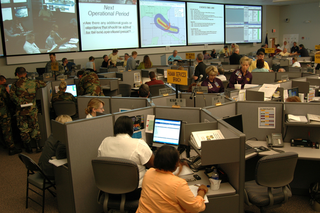 Baton Rouge, LA, May 10, 2007 -- FEMA and other federal responders work with their state counterparts in Louisiana recently at the mock hurricane exercise.  The state emergency operations center was activated to test preparedness and response before the start of the 2007 hurricane season. Manuel Broussard/FEMA