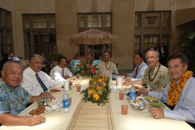 [Assignment: 48-DPA-K_lab810_Select] Secretary Dirk Kempthorne with [group including Resident Representative to the U.S. from the Northern Mariana Islands,] Pedro Tenorio [far left]; [American Samoa Lieutenant Governor] Faoa Aitofele Sunia [second from left, around the table];  [Palau President] Tommy Remengesau, Jr. [third from left];  [Interior Office of Insular Affairs Director] Nikolao Pula [fourth from left]; [Marshall Islands President] Kessai Note [fifth from left];  and Guam Governor Felix Camacho [far right],  5/09/2007 [48-DPA-K_lab810_Select_019.jpg]