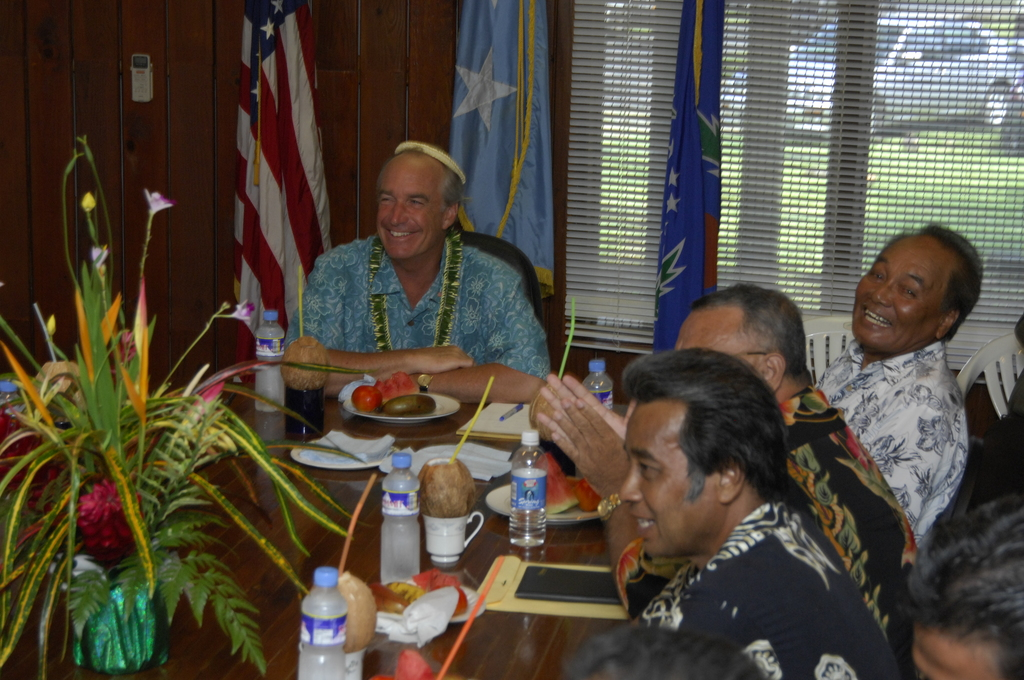 [Assignment: 48-DPA-SOI_K_Pohnpei_6-10-11-07] Pacific Islands Tour:  Visit of Secretary Dirk Kempthorne [and aides] to Pohnpei Island,  of the Federated States of Micronesia [48-DPA-SOI_K_Pohnpei_6-10-11-07__DI13751.JPG]